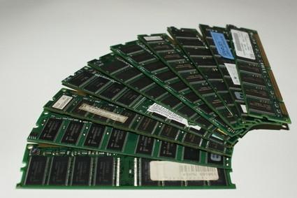 ¿Cómo puedo averiguar la cantidad de espacio de memoria RAM que tengo?