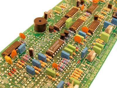 Cómo limpiar placas de circuito oxidados