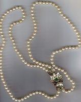 Cómo escanear imágenes de joyería para vender en eBay