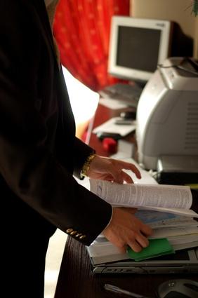 Cómo rellenar tóner de una impresora HP 2300