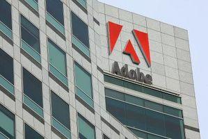 Diferencia entre estudiantes de Adobe y regular