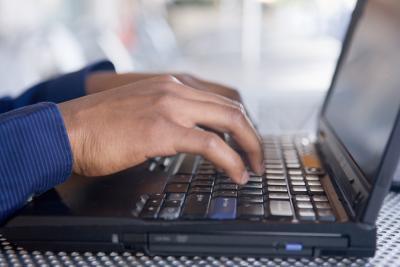 Cómo volver a formatear un Hardrive y Actualizar Windows XP para el IBM Think Centre
