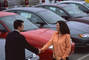 Cómo localizar a los coches para un coche compra en línea con Craigslist