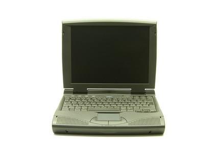 Cómo reemplazar la batería interna en un ordenador portátil IBM ThinkPad