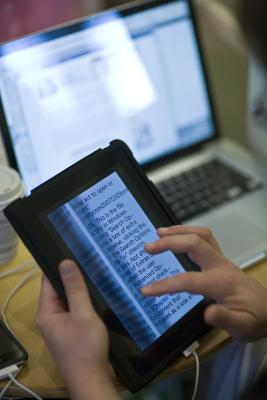 iPad vs MacBook Pro 13