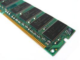 Cómo instalar memoria RAM DDR2 en un ordenador portátil Toshiba Satellite A135 S7403