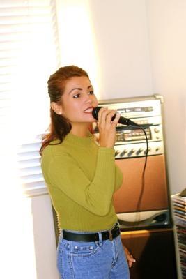 Cómo grabar CDG y MP3 para jugar en una máquina de karaoke