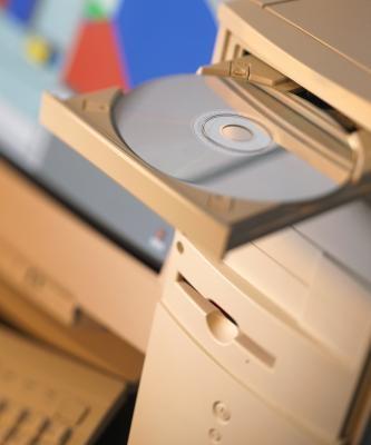 Cómo instalar un reproductor de CD en un ordenador