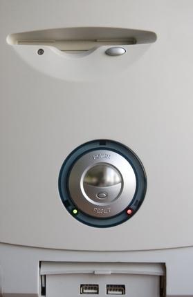 Cómo probar el botón de encendido del ordenador