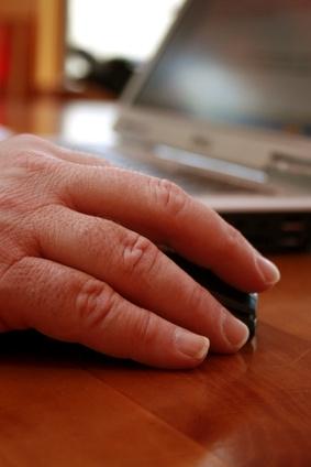 Cómo agregar un nombre de usuario y contraseña en un sitio FTP que se accede con un navegador