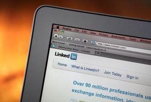 Cómo adjuntar un archivo PDF a un perfil en LinkedIn