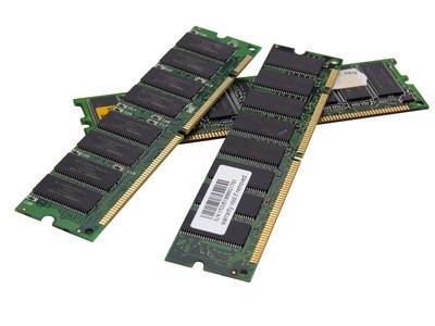 La comparación entre RDRAM y SDRAM
