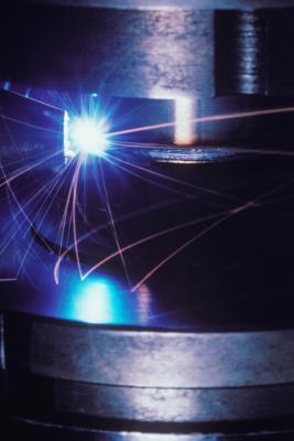 ¿Qué tipos de motores se utilizan en las máquinas CNC?