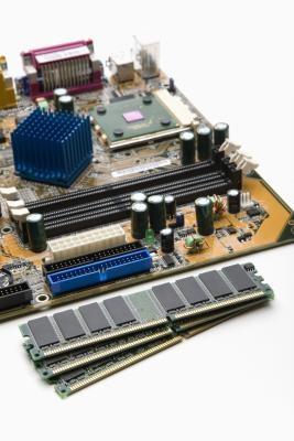 Información sobre los diferentes tipos de módulos de memoria que se pueden utilizar en los ordenadores portátiles y de escritorio