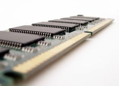 Cómo instalar memoria RAM en un Compaq Presario C500
