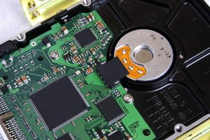 Cómo instalar una unidad de disco duro esclavo en un Sony Vaio VGCRB30