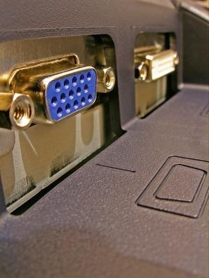 ¿Cuál es la diferencia entre DVI y VGA Conexiones?