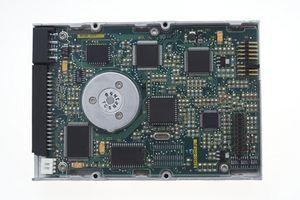 Cómo restablecer CMOS en un satélite de Toshiba