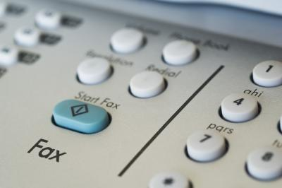 Cómo recibir faxes como mensajes de correo electrónico