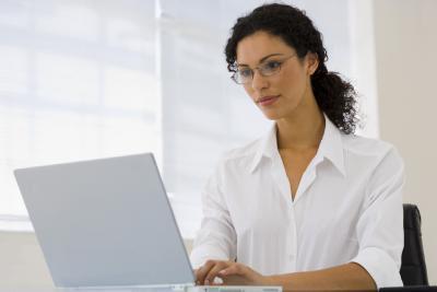 ¿Cómo se desactiva el Cambiar contraseña en Windows Vista?