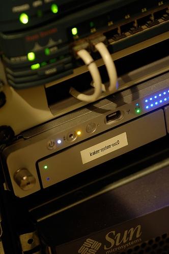 ¿Qué equipo necesito para configurar una red para un negocio?