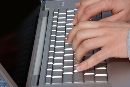Cómo escribir sobre texto al editar en Corel WordPerfect