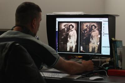 Cómo combinar dos archivos JPG Con Adobe Photoshop Elements 4