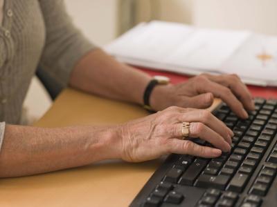 Las ventajas de Procesamiento de textos Más de una máquina de escribir convencional
