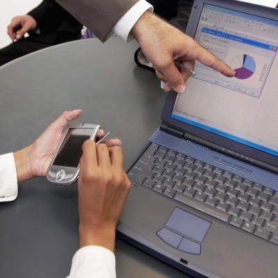 Cómo reemplazar una pantalla LCD portátil en un Dell Inspiron 1501