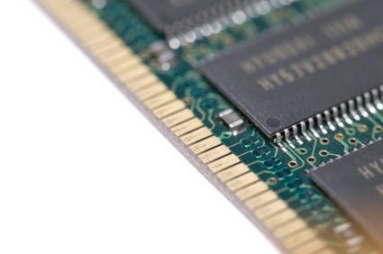 ¿Cuál es la diferencia entre el búfer y sin almacenamiento intermedio del ordenador RAM?
