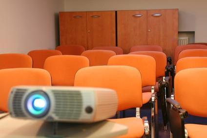 Cómo ver un proyector y monitor de un ordenador